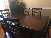 Dark wood Formal Dining Table w/ 6 chairs and ext leaf
