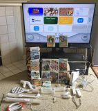 Nintendo Wii - Video Game BUNDLE LOT - Console, 4 Controllers, 13 Games + MORE