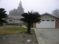 Visalia, prime location 3 BR, House. Single Car Garage!