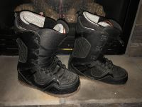 Snowboard Boots Men s (Brand: Thirtytwo, Size 10 1/2)