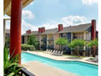 Snug Apartment Homes is one of the best kept secrets in Dallas. $800/mo
