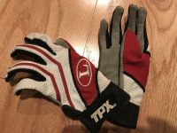 Golf gloves for young kids. Youth medium size