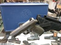 """For Sale: Used but in good shape Smith & Wesson SW9GVE 9mm 4"""" Green/Matte, 16 round"""