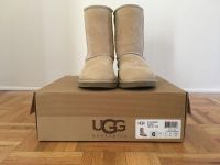 AUTHENTIC UGG Short Boot In Sand Sz 6