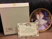 BARBIE (1989) HOLIDAY PLATE