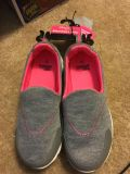 New with tags Danskin girls shoes size 13