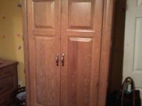 3 piece bedroom set, queen size bed with rails, armoire an dresser