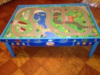 MOVING Thomas wooden railway play table