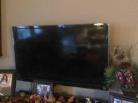 Sony Bravia S-Series KDL-40S5100 40-Inch 1080p LCD HDTV,Black FLATSCREEN TV, (hang on wall or use pedestal stand which is included)