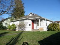 Fabulous Renovated 4 Bedroom Rambler in Great Seattle Location!