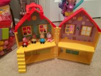 Peppa pig house and figures