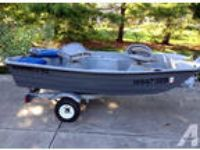 Bass Tender Fishing Boat w/Trailer & Fish Finder