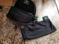 BRAND NEW SUNGLASS CASE WITH CLEANING CLOTH * $1