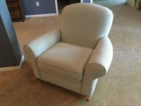 GORGEOUS LIKE NEW UPHOLSTERED GREEN ROCKING CHAIR / ROCKER WITH WOODEN RAILS