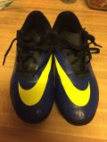 Boys soccer cleats, size 5 youth