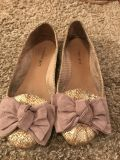 Adorable bow shoes