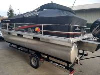 2014 Tracker Bass Buggy 18 Pontoon 20 ft Party barge/ Bass Buggy
