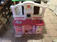 Play kitchen and all accessories