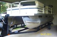 2006,18 Foot Fisher Pontoon Boat