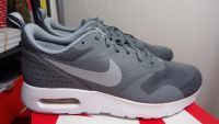 NIKE AIR MAX TAVIS GS youth/men sizes 6.5y, 7y = Women 8, 8.5 New and Authentic