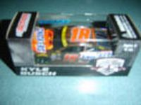 2016 Kyle Busch #18 Snickers Halloween Action Lionel 1/64
