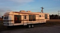 37 ft country aire 5th wheel with slide out and washerdryer hookup