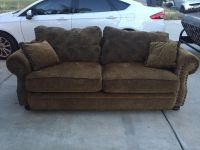 Beautiful sofa SUPER CLEAN! With pillows