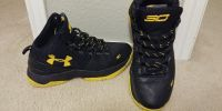 Boys Steph Curry under armour sneakers Sz 6.5 shoes