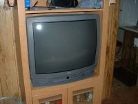 """older 27"""" projection cable RCA Tv with remote"""