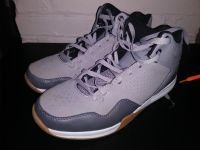 And1 basketball shoes sz 8. Only wore 1 day