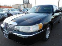 1999 Lincoln Town Car 4dr Sdn Signature