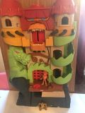 Imaginext Dragon Castle Playset with Figures! Great Condition! Lights up with sounds!