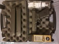 For Sale: Glock 19 gen 4 w/ Extras