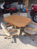 Dinette with 4 chairs