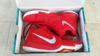 Nike Men's Kyrie 3 Basketball Shoes, Size 10