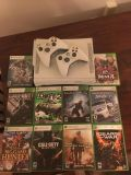 XBOX 360 Arcade with Games
