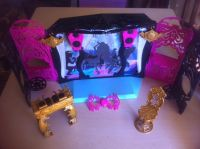 Monster High Freak du Chic Circus Scaregrounds Stage vanity & chair