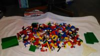 """Lg lot of Lego""""s.with 4men."""