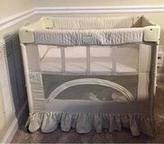 Arms Reach Co sleeper/ Bassinet