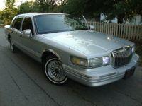 1997 Lincoln Town Car 4dr Sdn Executive