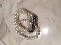 Pearl bracelet and necklace set