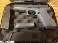 For Sale/Trade: GLOCK 22 FACTORY GREY FRAME LIKE NEW CONDITION