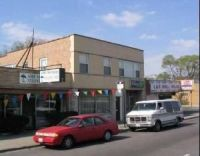 3 unit mixed use in aushburn/wrightwood