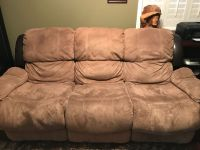 Reclining Couch with matching Reclining Love seat!