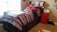 Twin bed with dressers