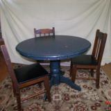 Round Table and Chairs $65 Adel