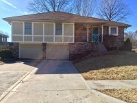 $1595 3 apartment in Independence