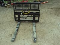 Hydraulic adjustable pallet forks for a skid steer or tractor NEW