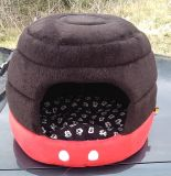 Medium size red and black lady bug dog bed