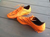 EXCELLENT CONDITION! Mens Nike Soccer Cleats